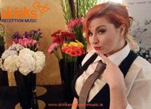 Diva Singing Waiters Drinks Reception music entertainment